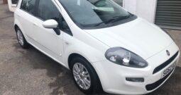 2013 FIAT PUNTO EASY 1.2 PETROL MANUAL 5 DOOR HATCH IN WHITE.
