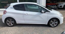 2013 PEUGEOT 208 ALLURE PURTECH 1.2 PETROL IN WHITE £20 ROAD TAX.